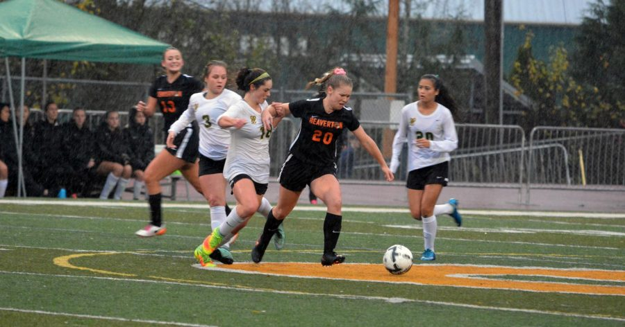 Girls' soccer upsets second-ranked Southridge, makes it to quarterfinals