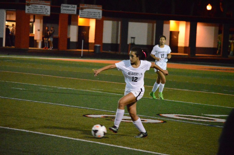Girls+soccer+scores+on+senior+night+against+Southridge