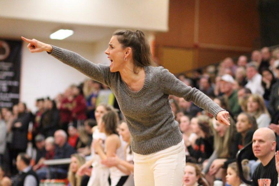 Kathy+Adelman+Naro%2C+new+girls+basketball+head+coach+at+Beaverton+High+School.