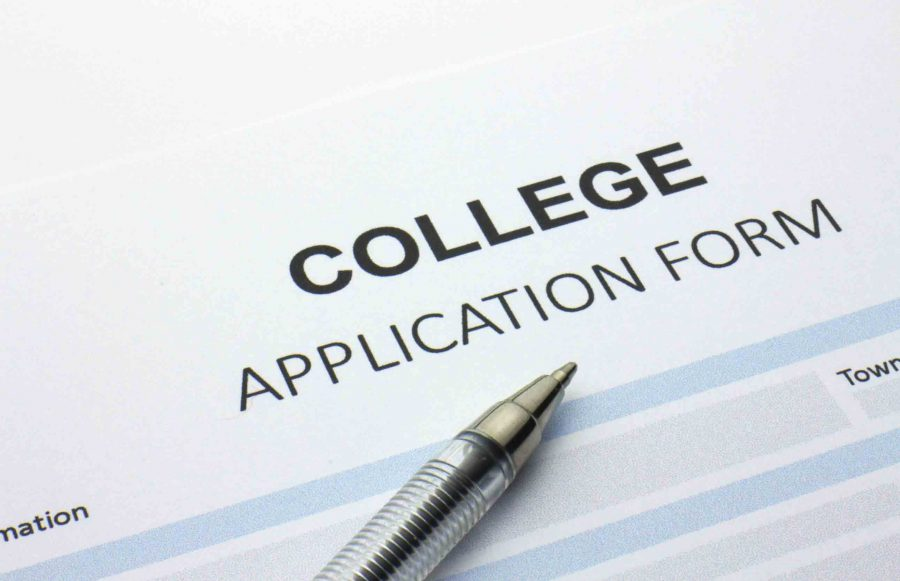 College+applications+are+coming+for+juniors
